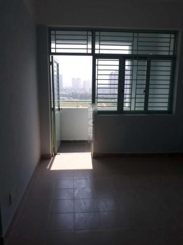 Phòng khách chung cư Phú Thọ, Quận 11 Căn hộ chung cư Phú Thọ tầng trung, view sân bóng, nội thất cơ bản.