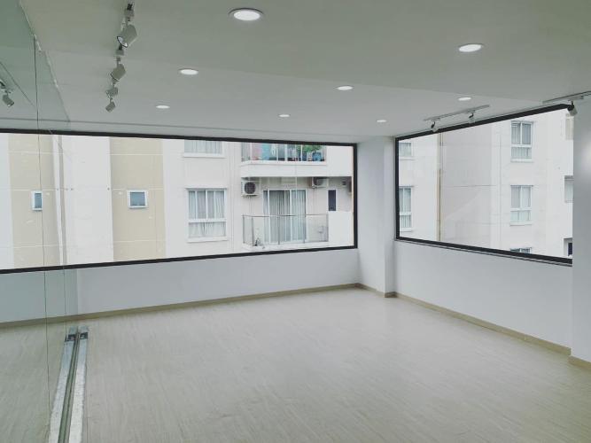 phòng ngủ nhà phố Trương Đinh, Quận 3 Nhà phố hẻm xe hơi hướng Đông Bắc, diện tích sử dụng 274.4m2.