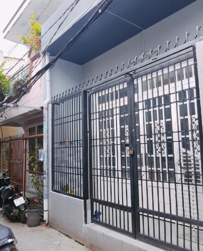 Mặt tiền nhà phố Phạm Thế Hiển, quận 8 Nhà phố hướng Tây Nam, diện tích 58.3m2, sân trước rộng rãi.