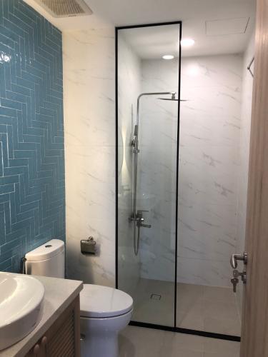 Phòng tắm tắm căn hộ Palm Heights Căn hộ Palm Heights view thành phố thoáng mát, hướng Đông Bắc.