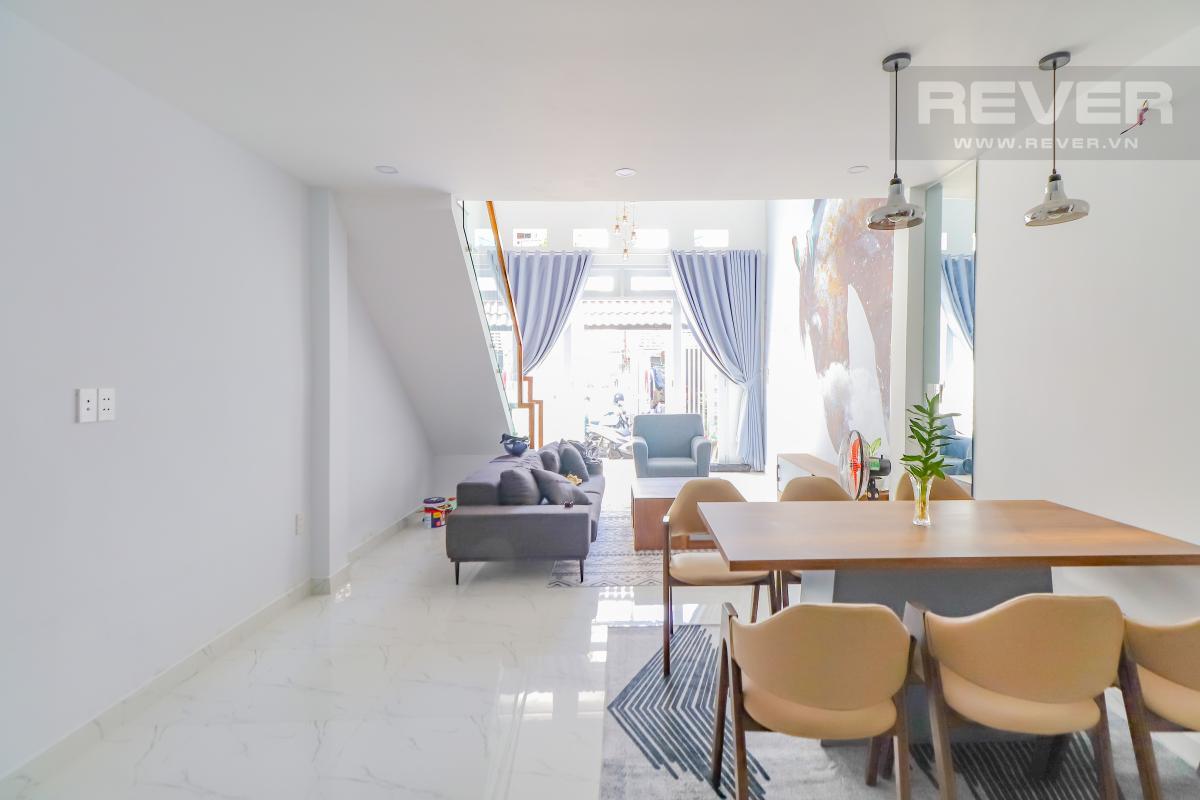 Phòng ăn tầng trệt Bán nhà phố Quận 7, diện tích đất 51m2, đầy đủ nội thất, sổ hồng chính chủ, cách Vòng xoay Tân Thuận 300m