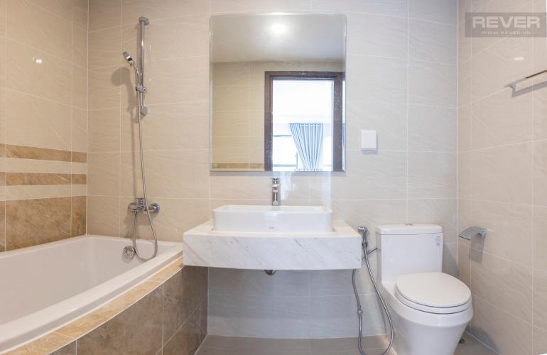 Phòng Tắm 1 Bán hoặc cho thuê căn hộ Saigon Royal 2PN, tháp A, đầy đủ nội thất, view hồ bơi