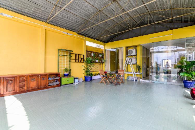 Sân Thượng Nhà phố đường Võ Văn Tần, Quận 3, 2 phòng ngủ, hướng nhà Đông Bắc, view đẹp