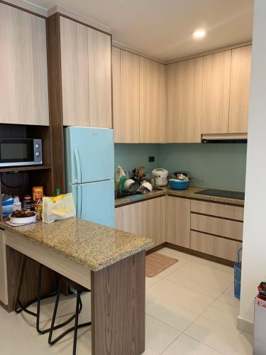 Phòng bếp Kingston Residence, Phú Nhuận Căn hộ Kingston Residence tầng trung, view hướng thoáng mát.