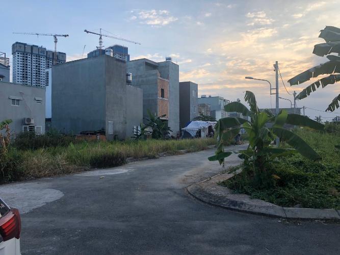 Bán đất nền mặt tiền phường Long Thạnh Mỹ, diện tích đất 86.2m2, sổ hồng đầy đủ.