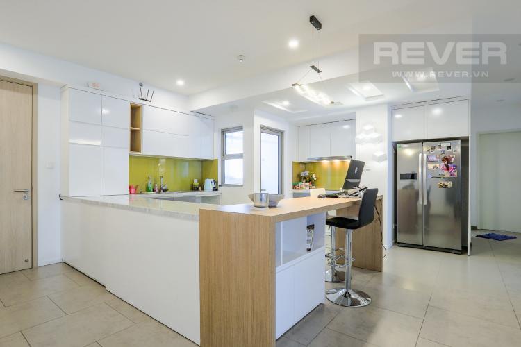 Phòng Bếp và Lobby Căn hộ Riviera Point 3PN nội thất đầy đủ, có thể dọn vào ở ngay
