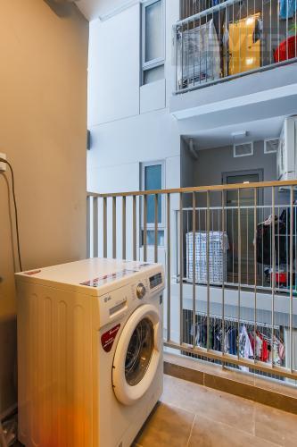 Logia Cho thuê căn hộ 607B Rivera Park Sài Gòn 2PN, nội thất đầy đủ, view hồ bơi