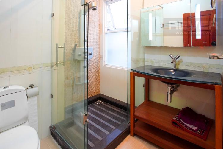 Phòng Tắm 1 Tầng 2 Cho thuê nhà phố 4 tầng đường 19, Q2, đầy đủ nội thất, view Landmark 81