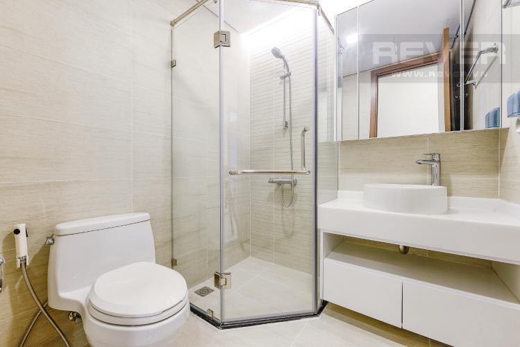 Phòng tắm 2 Căn hộ Vinhomes Central Park 2 phòng ngủ tầng thấp P3 view hồ bơi