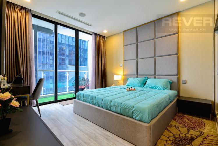 Phòng Ngủ 1 Căn hộ Vinhomes Golden River tầng cao, 3 phòng ngủ, nội thất đầy đủ