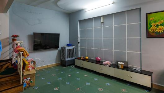 Nhà phố 2 phòng ngủ hẻm 3m đường Văn Cao quận Tân Phú