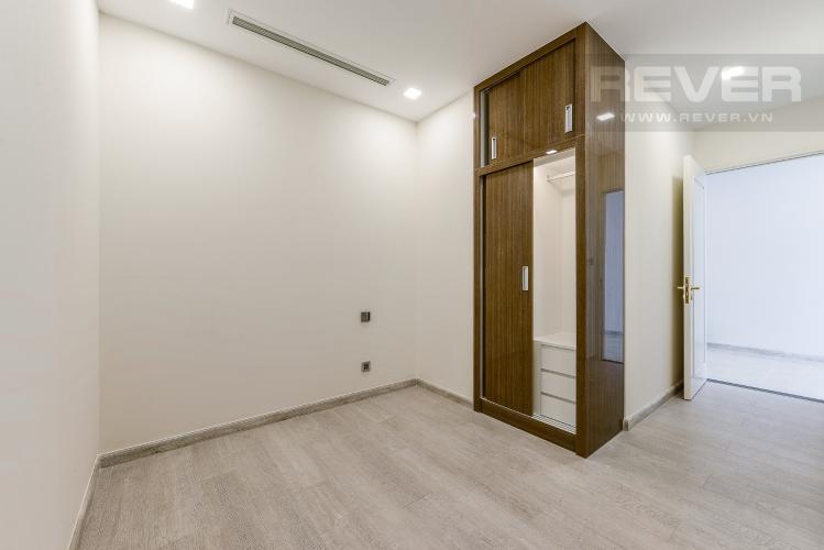 Phòng ngủ 2 Căn hộ Vinhomes Golden River 2 phòng ngủ tầng trung A4 nhà trống