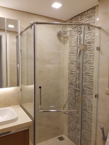 Phòng tắm , Căn hộ vinhomes Golden River , Quận 1 Căn hộ Vinhomes Golden River tầng 2 view thoáng mát, nội thất cơ bản.
