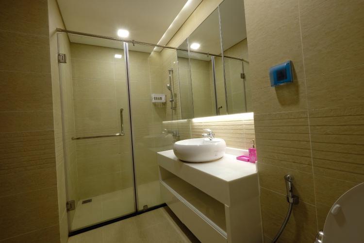 Toilet căn hộ Vinhomes Central Park Bán căn hộ Vinhomes Central Park 3PN, diện tích 116m2, đầy đủ nội thất, hướng ban công Tây Nam
