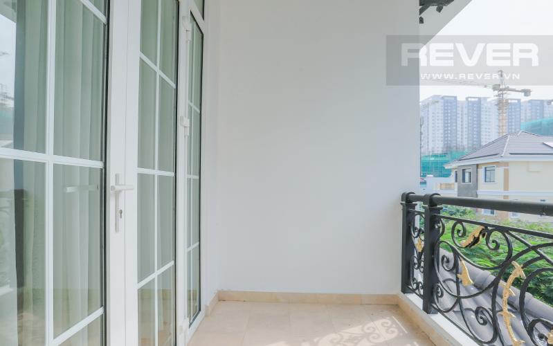 Ban Công Tầng 1 Nhà phố đường Lê Văn Lương, Quận 7, 3 tầng, nội thất đầy đủ, sổ đỏ chính chủ