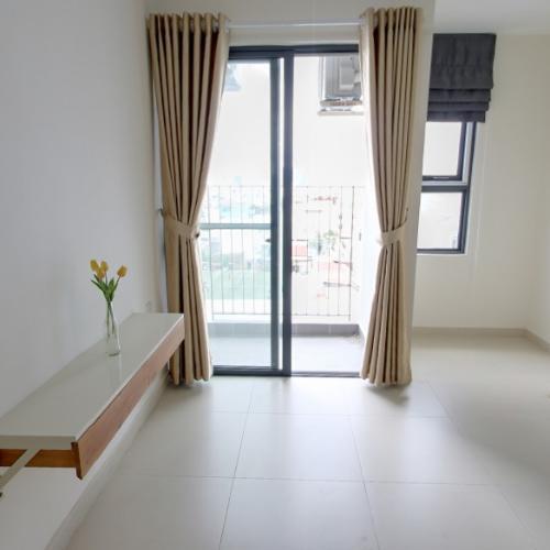 Phòng khách M-One Nam Sài Gòn, Quận 7 Căn hộ Office-tel M-One Nam Sài Gòn tầng thấp, view quận 1 sầm uất