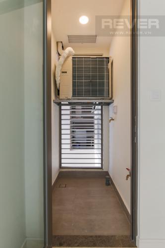 Logia Căn hộ Masteri Millennium tầng cao view sông, 2PN, nội thất cơ bản