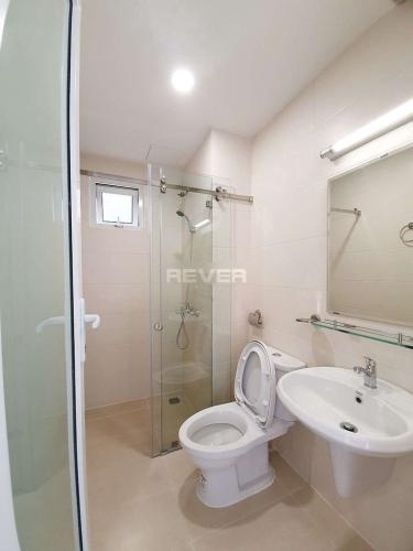 Phòng tắm căn hộ Moonlight Boulevard, Bình Tân Căn hộ Moonlight Boulevard hướng Đông Nam, view thành phố sầm uất.