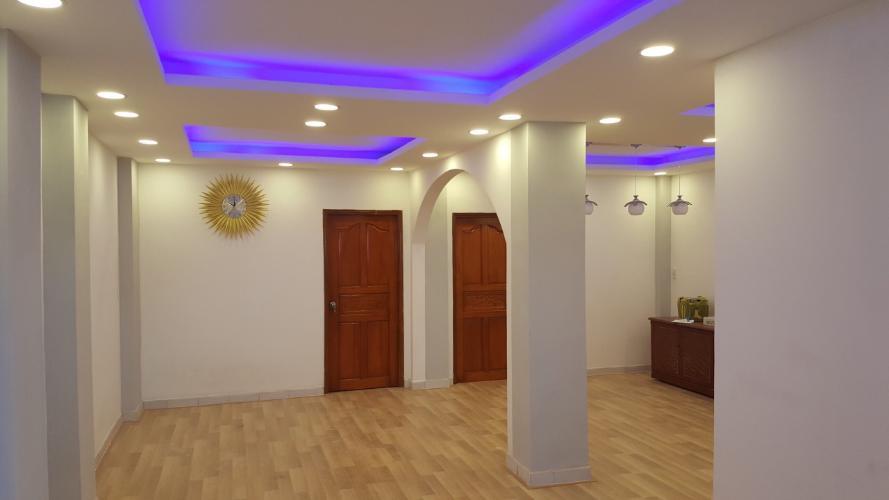 Căn hộ chung cư 346 Phan Văn Trị, Bình Thạnh Căn hộ Chung cư 346 Phan Văn Trị 2 phòng ngủ nội thất cơ bản, sàn gỗ.