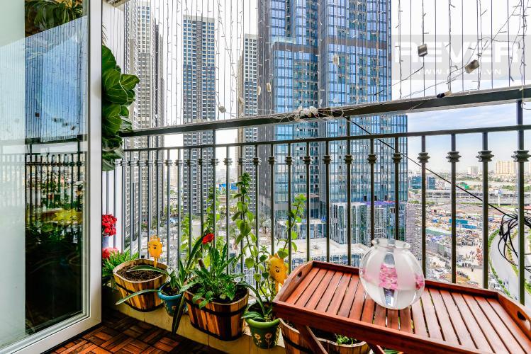 Ban Công Căn hộ Vinhomes Central Park 3 phòng ngủ tầng cao L1 hướng Bắc