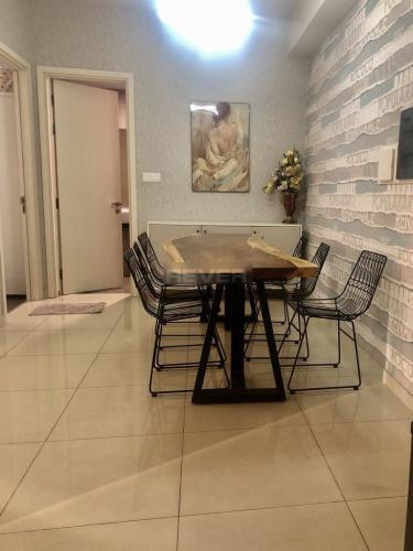 Phòng ăn Vista Verde Quận 2 Căn hộ Vista Verde tầng trung nội thất đầy đủ, view nội khu.