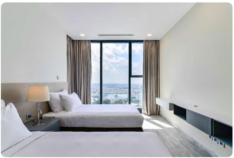 07 Bán căn hộ Vinhomes Golden River 2PN, tháp The Aqua 1, nội thất cơ bản, view sông và Landmark 81