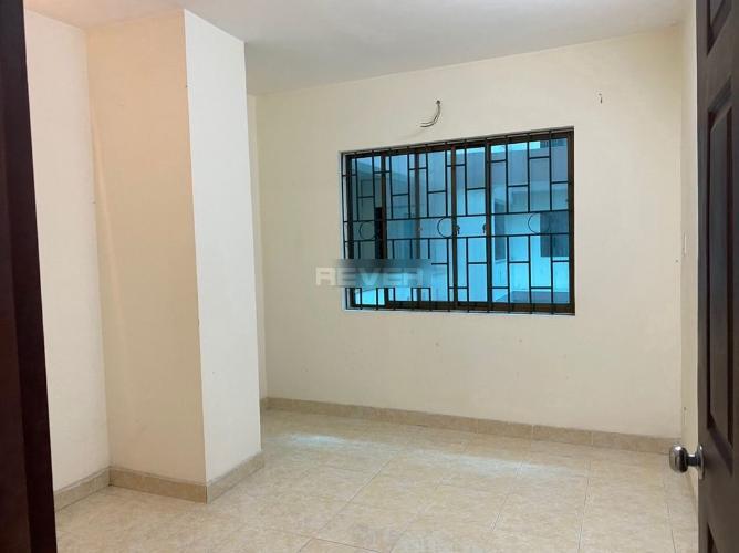 Phòng ngủ chung cư Cửu Long, Bình Thạnh Căn hộ chung cư Cửu Long tầng 4, view nội khu giếng trời.