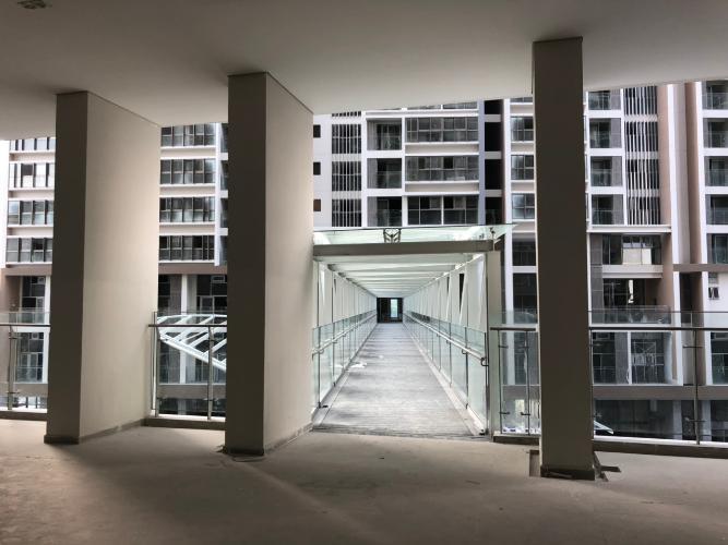 Cầu đi bộ Bán căn hộ 1 phòng ngủ tầng thấp Phú Mỹ Hưng Midtown, diện tích 42.9m2, bàn giao thô.