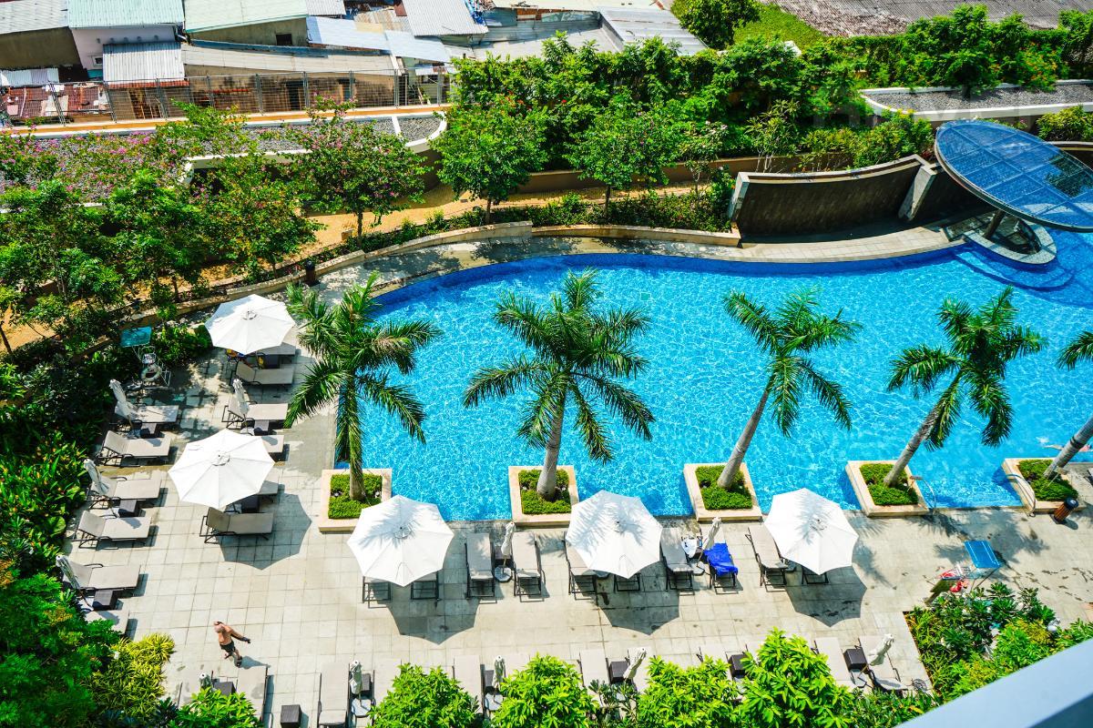 Hồ Bơi Cho thuê căn hộ City Garden 1 phòng ngủ, tháp Promenade 2, đầy đủ nội thất, view trực diện hồ bơi