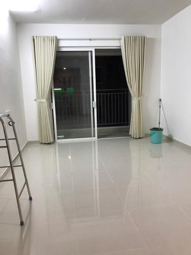 Phòng khách căn hộ Golden Mansion Că hộ Golden Mansion hướng cửa Tây Nam, view nội khu yên tĩnh.