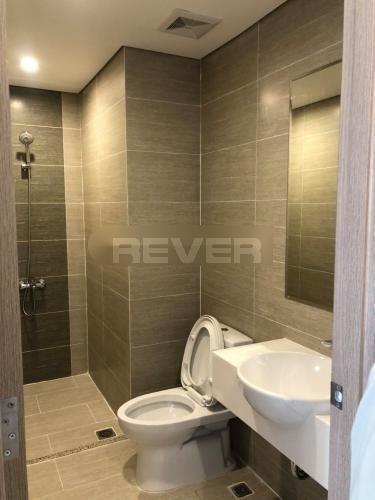 Phòng tắm căn hộ Vinhomes Grand Park Căn hộ tầng 10 Vinhomes Grand Park nội thất đầy đủ, view nội khu.