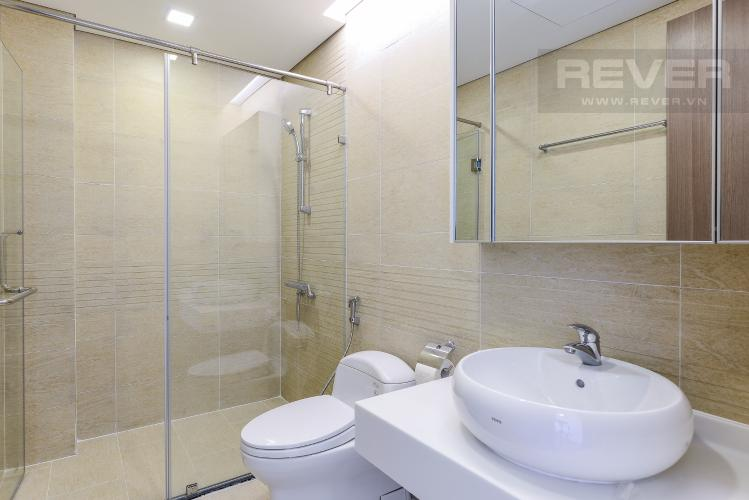 Phòng tắm 1 OfficeTel Vinhomes Central Park 2 phòng ngủ tầng cao P7 nội thất đầy đủ