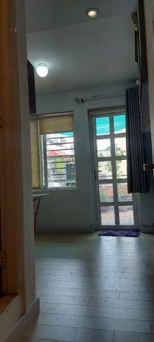 Phòng ngủ nhà phố Lê Văn Sỹ, Quận 3 Nhà phố trung tâm quận 3, hướng Đông Nam, hẻm xe máy quay đầu.