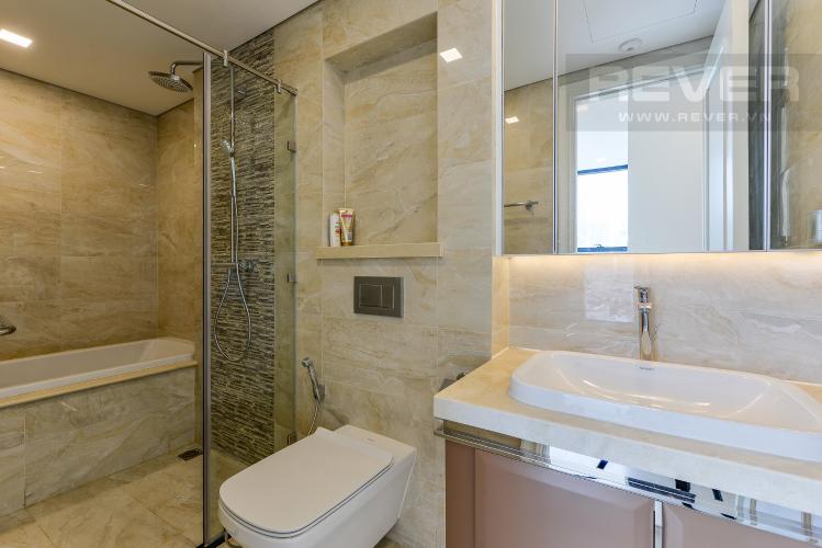 Phòng Tắm 2 Officetel Vinhomes Golden River 2 phòng ngủ tầng trung A4 hướng Đông Bắc