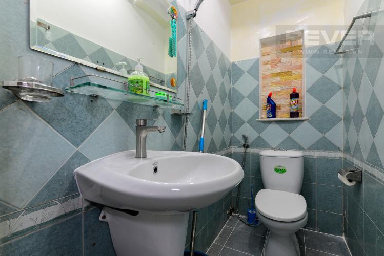 Phòng Tắm 1 Cho thuê nhà phố hẻm Nguyễn Thiện Thuật, 2 tầng, 5 phòng ngủ, cách Ngã 6 Lý Thái Tổ 700m