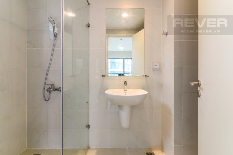 Phòng Tắm Bán hoặc cho thuê căn hộ officetel Masteri An Phú, tầng thấp, tháp A, diện tích 47m2, nội thất cơ bản