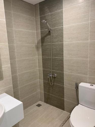 Phòng tắm căn hộ Vinhomes Grand Park Căn hộ Vinhomes Grand Park tầng cao hướng Tây Nam, ban công Đông Bắc.