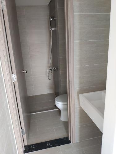 Toilet Vinhomes Grand Park Quận 9 Căn hộ Vinhomes Grand Park tầng cao, đầy đủ nội thất tiện nghi.