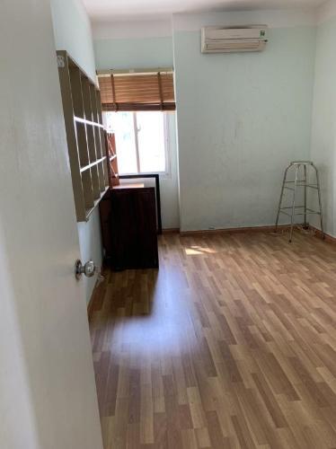 Căn hộ Carillon Apartment tầng trung đầy đủ nội thất tiện nghi.