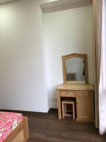 Phòng ngủ Opal Saigon Pearl, Bình Thạnh Căn hộ Opal Saigon Pearl nội thất đầy đủ, view thành phố.