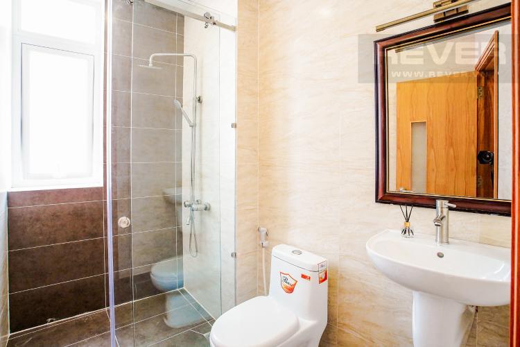 Phòng Tắm Tầng 2 Bán nhà phố đường Huỳnh Văn Bánh 43.8m2, 3 lầu 5PN 4WC, view khu dân cư