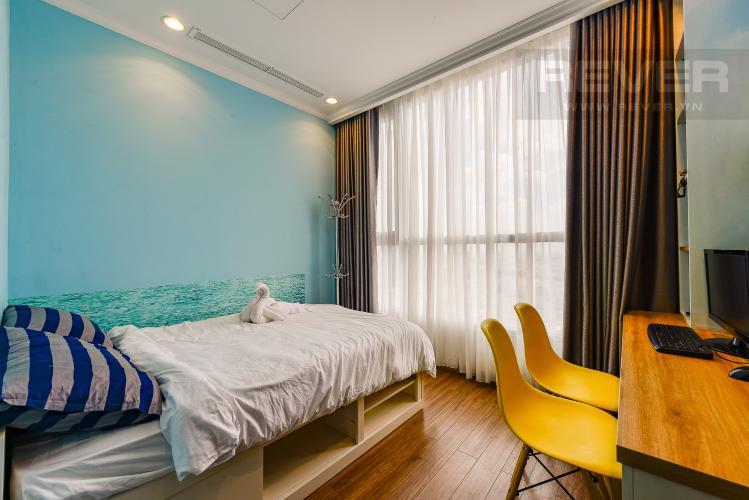 Phòng ngủ 2 Căn hộ Vinhomes Central Park 2 phòng ngủ tầng cao C3 hướng Tây