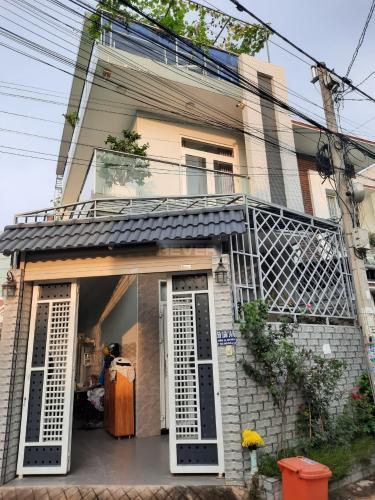 Bán nhà phố 2 mặt tiền hẻm xe hơi đường số 2 Tăng Nhơn Phú