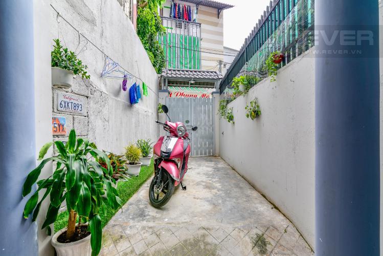Sân Bán nhà phố Nguyễn Duy sổ đỏ chính chủ, nội thất đầy đủ