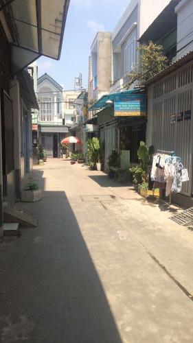 Đường nhà Bình Tân Nhà phố hướng Tây Bắc nội thất cơ bản, khu dân cư hiện hữu.