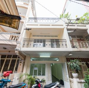 Cho thuê nhà đường Phạm Ngũ Lão, 2 tầng, diện tích rộng rãi