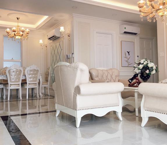 Căn hộ tầng cao Sunrise City View nội thất sang trọng.