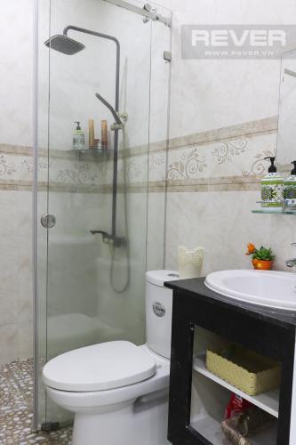 Phòng Tắm Bán hoặc cho thuê nhà phố 2 tầng, khu biệt thự compound Mega Village Quận 9, diện tích đất 75m2, đầy đủ nội thất