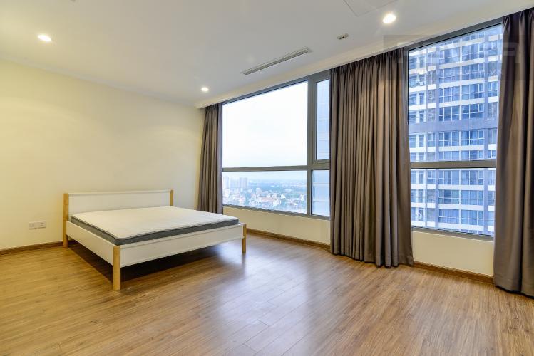 Phòng Ngủ 1 Căn hộ Vinhomes Central Park 4PN đầy đủ nội thất, view sông Sài Gòn