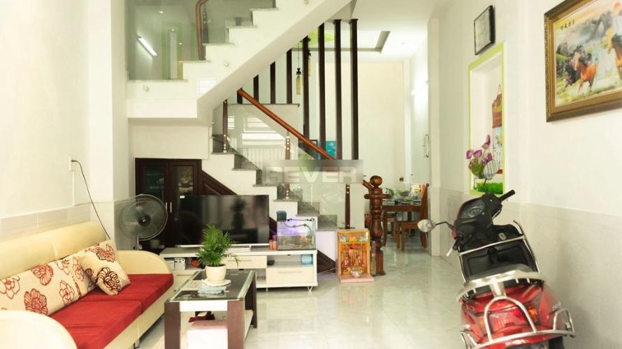 Phòng khách nhà phố đường Quang Trung, Gò Vấp Nhà phố Gò Vấp diện tích 80m2 nội thất cơ bản, hẻm xe hơi 5m.